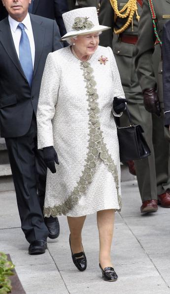 Chris Jackson「Queen Elizabeth II's Historic Visit To Ireland - Day One」:写真・画像(12)[壁紙.com]