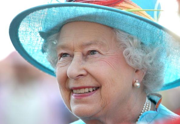 真珠「Queen Elizabeth II Visits Canada - Day 7」:写真・画像(1)[壁紙.com]