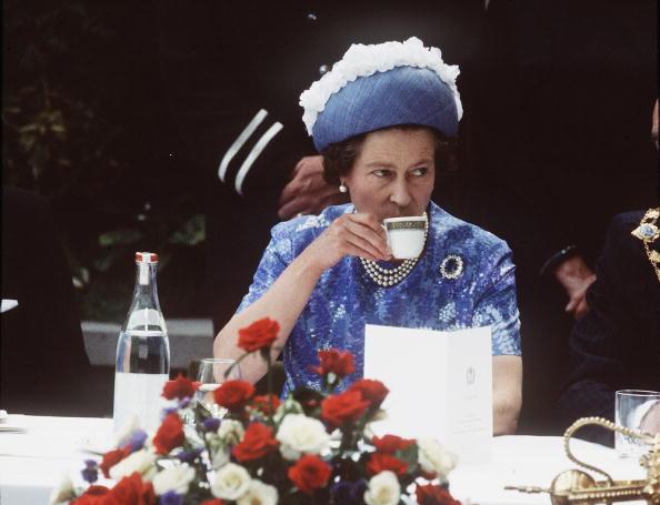 Tea「Queen Elizabeth ll visit to Northern Ireland」:写真・画像(7)[壁紙.com]