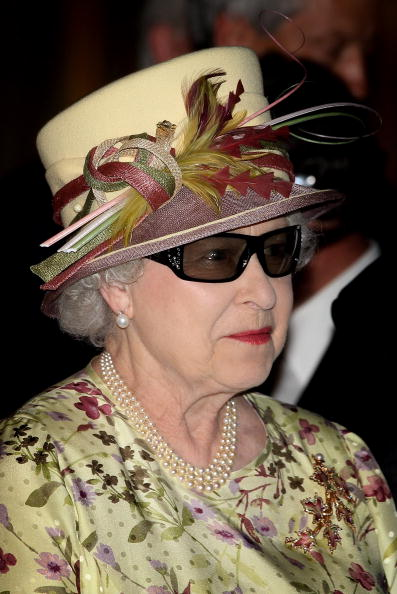 Sunglasses「Queen Elizabeth II Visits Canada - Day 8」:写真・画像(14)[壁紙.com]