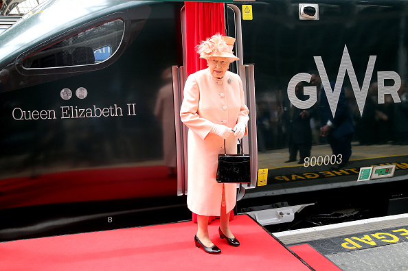 New「The Queen & Duke Of Edinburgh Mark The 175th Anniversary Of The First Train Journey By A British Monarch」:写真・画像(7)[壁紙.com]