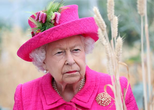 Visit「The Queen Visits Cambridge」:写真・画像(15)[壁紙.com]