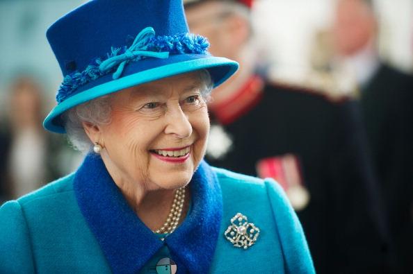 Elizabeth II「The Queen And Duke Of Edinburgh Visit Wales」:写真・画像(17)[壁紙.com]