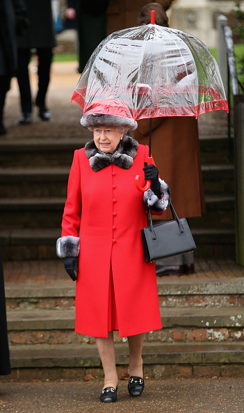 Umbrella「The Royal Family Attend Church On Christmas Day」:写真・画像(2)[壁紙.com]