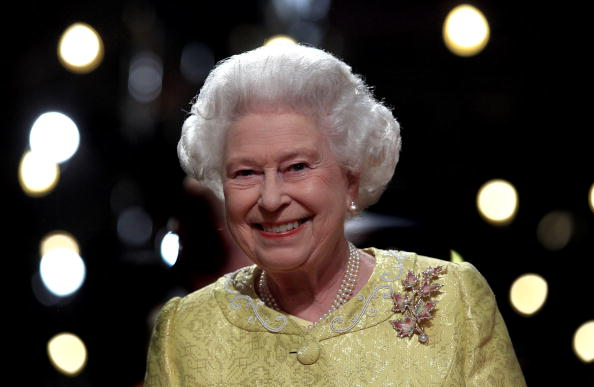 カメラ目線「Queen Elizabeth II Visits Canada - Day 2」:写真・画像(5)[壁紙.com]