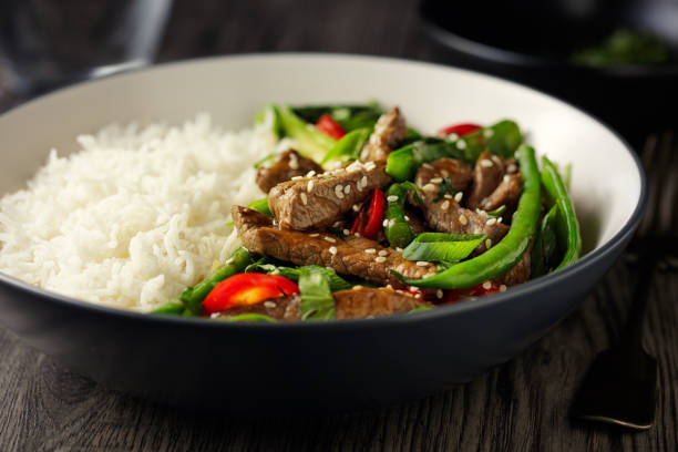 Oriental beef stir fry with basmati rice:スマホ壁紙(壁紙.com)