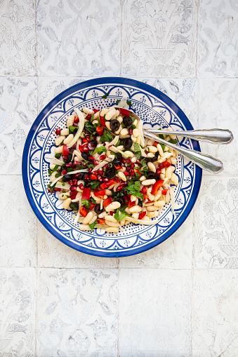 Fennel「Oriental bean salad on plate」:スマホ壁紙(19)