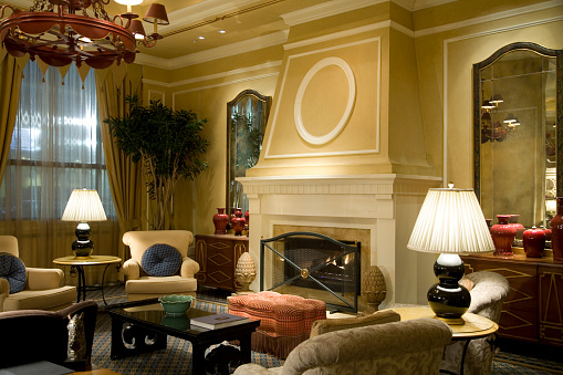 Inn「Fireplace with Comfy Chairs in Luxury Hotel Lobby Reception」:スマホ壁紙(14)