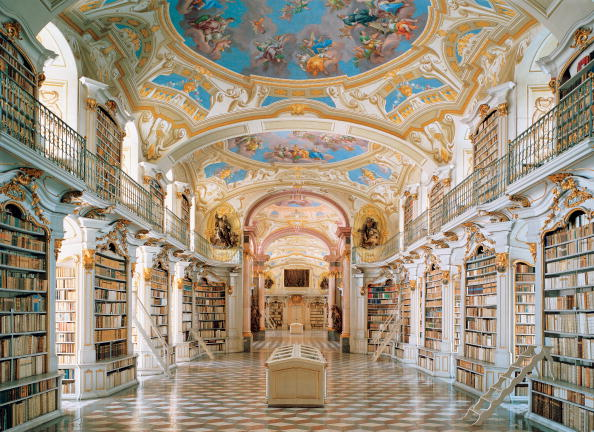 Austria「Large ceremonial room of the monastery library」:写真・画像(1)[壁紙.com]