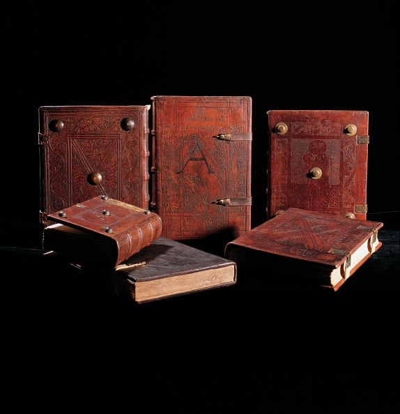 Benedictine「Medieval manuscripts with leather covers」:写真・画像(15)[壁紙.com]
