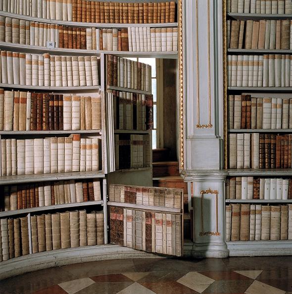 Abbey - Monastery「Secret door in the library」:写真・画像(9)[壁紙.com]