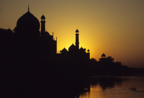 Iranian Culture「Skyline silhouette of Taj Mahal, Agra, India at the sunset」:スマホ壁紙(2)