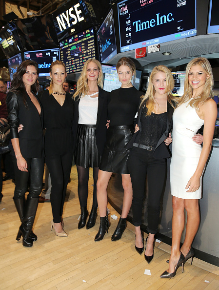 エリン・ヘザートン「Sports Illustrated Swimsuit Models Ring The NYSE Closing Bell」:写真・画像(13)[壁紙.com]