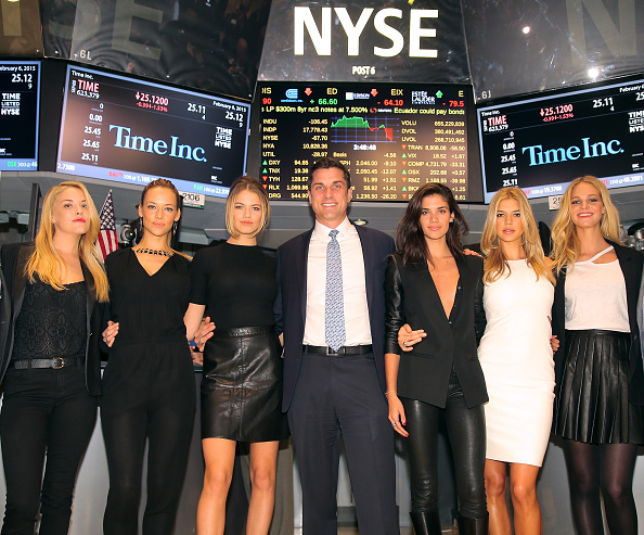 エリン・ヘザートン「Sports Illustrated Swimsuit Models Ring The NYSE Closing Bell」:写真・画像(14)[壁紙.com]