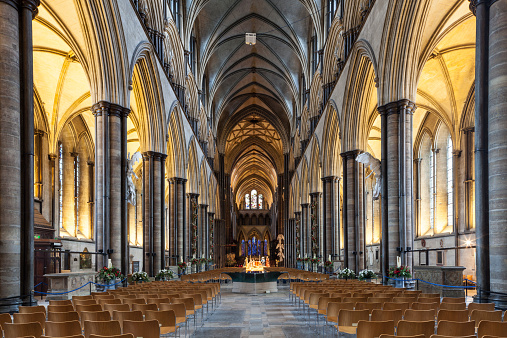 Gothic Style「The nave of Salisbury cathedral, UK」:スマホ壁紙(3)