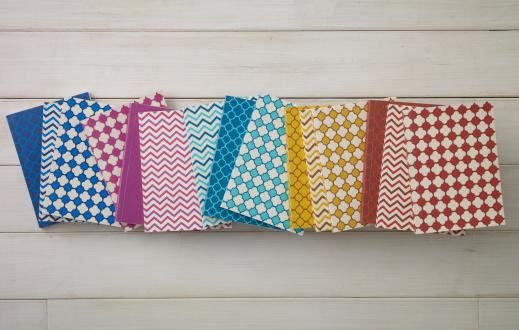 ノート柄「Colorful pattern of notebooks」:スマホ壁紙(0)