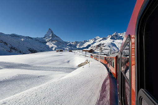 Pennine Alps「gornergrat railway in the swiss alps, matterhorn mountain, zermatt switzerland」:スマホ壁紙(14)
