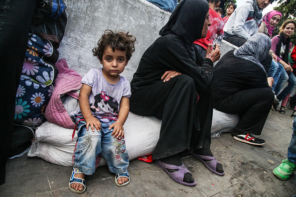 Waiting「Thousands Of Migrants Wait in Istanbul's Main Bus Station」:写真・画像(14)[壁紙.com]