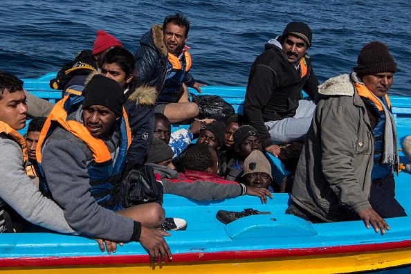 Crowd「Search And Rescue On The Mediterranean With Proactiva Open Arms」:写真・画像(17)[壁紙.com]