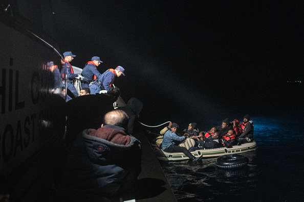 Refugee「Turkish Coast Guard Intercepts Migrants Bound For Greece」:写真・画像(9)[壁紙.com]