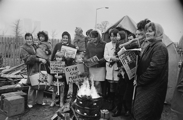 1970-1979「Miners' Wives On Picket Line」:写真・画像(6)[壁紙.com]