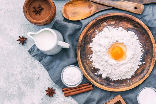 Star Anise「Baking ingredients and wooden utensils」:スマホ壁紙(13)