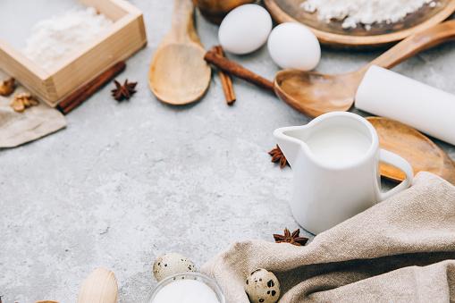 Star Anise「Baking ingredients and wooden utensils」:スマホ壁紙(15)