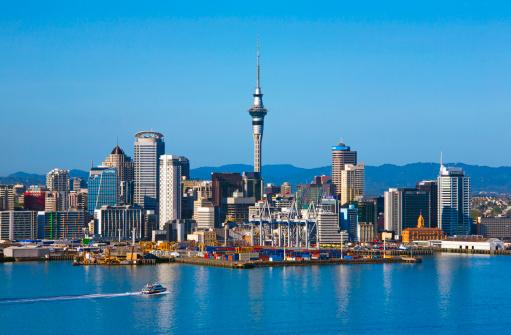 North Island New Zealand「Auckland skyline with Sky Tower」:スマホ壁紙(12)