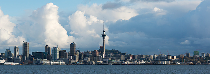 New Zealand Culture「Auckland skyline with approaching storm clouds.」:スマホ壁紙(6)