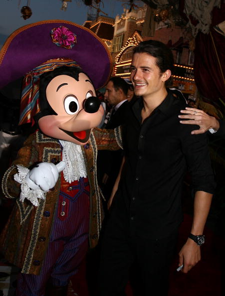 Mickey Mouse「World Premiere Of 'Pirates of the Caribbean 2: Dead Man's Chest' - Arrivals」:写真・画像(10)[壁紙.com]
