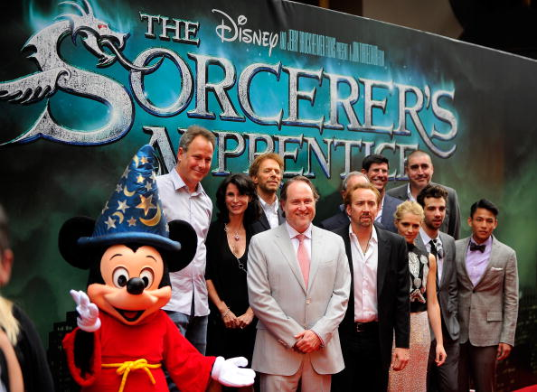 ミッキーマウス「'The Sorcerer's Apprentice' New York Premiere - Outside Arrivals」:写真・画像(11)[壁紙.com]