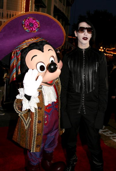 Mickey Mouse「World Premiere Of 'Pirates of the Caribbean 2: Dead Man's Chest' - Arrivals」:写真・画像(9)[壁紙.com]
