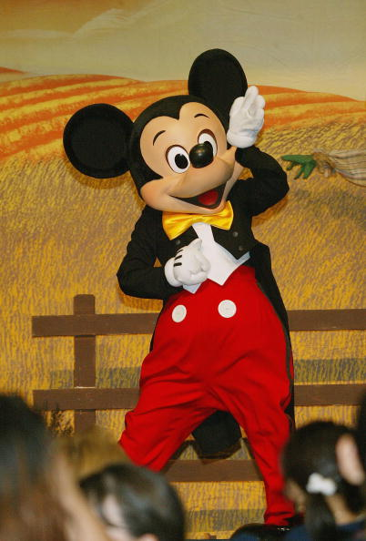 ミッキーマウス「The Salvation Army And Disneyland Thanksgiving Eve Dinner」:写真・画像(10)[壁紙.com]