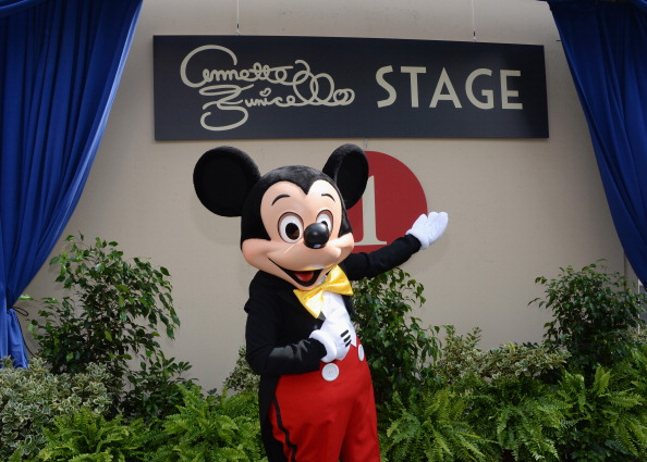 ミッキーマウス「The Walt Disney Company Hosts A Special Stage Rededication Ceremony For Annette Funicello」:写真・画像(17)[壁紙.com]
