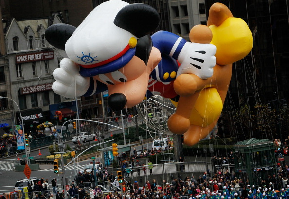Mickey Mouse「Macy's Thanksgiving Day Parade Winds Through New York City」:写真・画像(11)[壁紙.com]