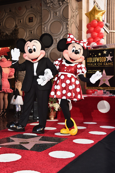 Mickey Mouse「Disney's Minnie Mouse Celebrates Her 90th Anniversary With Star On The Hollywood Walk Of Fame」:写真・画像(3)[壁紙.com]