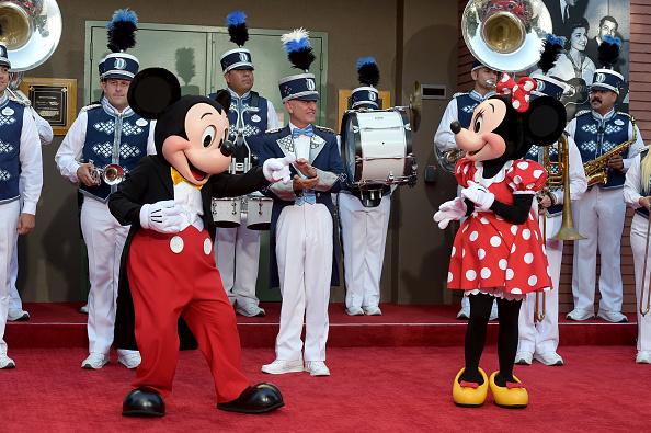 ミニーマウス「Premiere Of Disney's 'Christopher Robin' - Stage Dedication To The Sherman Brothers」:写真・画像(12)[壁紙.com]