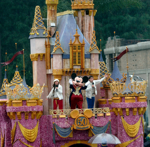 Mickey Mouse「117th Tournament of Roses Parade」:写真・画像(7)[壁紙.com]
