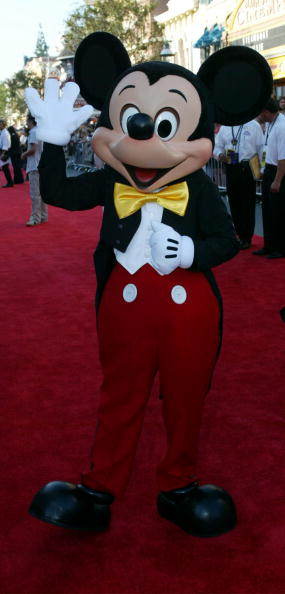 ミッキーマウス「Mickey Mouse At The Pirates Of The Caribbean」:写真・画像(10)[壁紙.com]