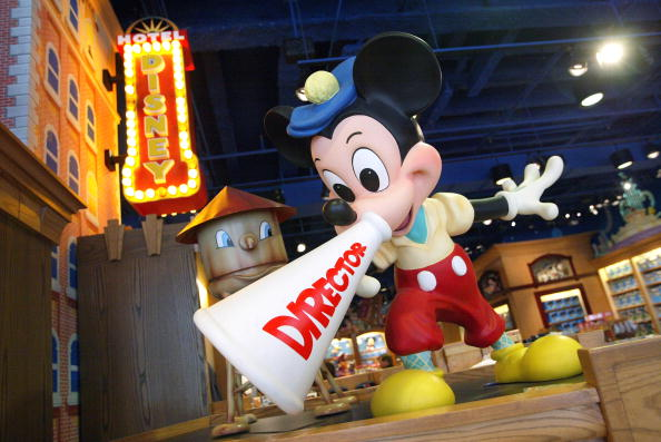 Mickey Mouse「Disney Plans To Sell Stores And Mighty Ducks」:写真・画像(12)[壁紙.com]