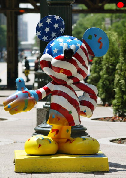 ミッキーマウス「Chicago Hosts Celebrity Mickey Mouse Statues」:写真・画像(8)[壁紙.com]