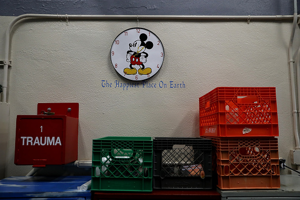 Mickey Mouse「San Quentin State Prison's Death Row」:写真・画像(4)[壁紙.com]
