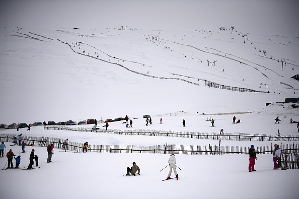 Skiing「Scotland Enjoys The Snow As The UK Is Braced For Further Storms」:写真・画像(15)[壁紙.com]