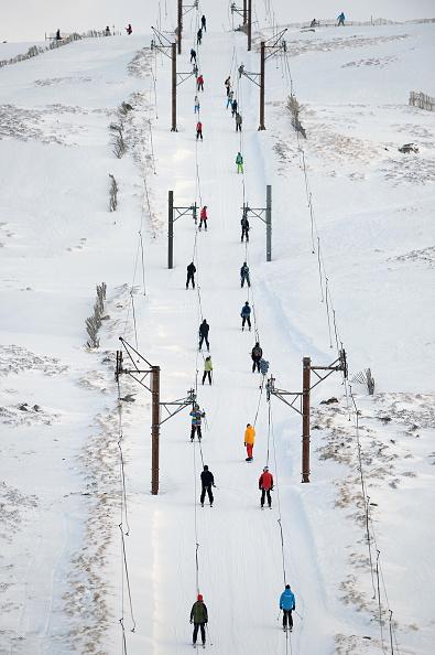 スノーボード「Skiers Enjoy The Recent Snowfall At Glenshee」:写真・画像(7)[壁紙.com]