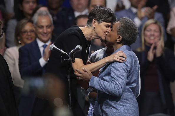 Bestpix「Lori Lightfoot Is Sworn In As Chicago's First Female African American Mayor」:写真・画像(8)[壁紙.com]