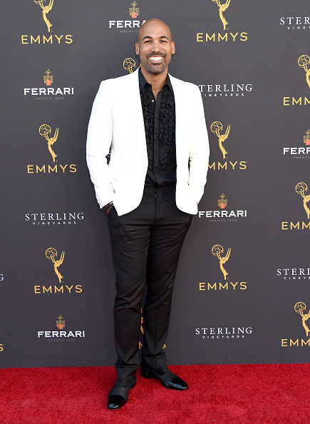 Ruffled Shirt「71st Los Angeles Area Emmy Awards」:写真・画像(6)[壁紙.com]
