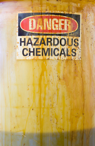 Chemical「Danger Hazardous Chemicals Sign on a Translucent Barrel with Liquid」:スマホ壁紙(0)