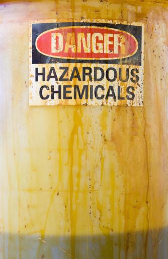 Chemical「Danger Hazardous Chemicals Sign on a Translucent Barrel with Liquid」:スマホ壁紙(12)