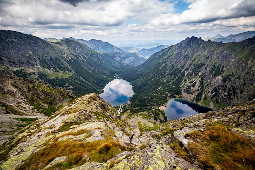 Carpathian Mountain Range「Morskie Oko and Black Ponds in valley of the fish stream, Tatra Mountains, Poland」:スマホ壁紙(15)
