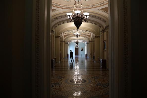 Corridor「Senators Vote On Foreign Intelligence Surveillance Act Reauthorization Act」:写真・画像(14)[壁紙.com]